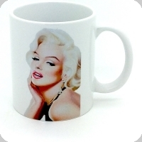 Mug Marilyne habillé en Noir