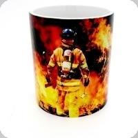Mug Pompier dans les Flammes